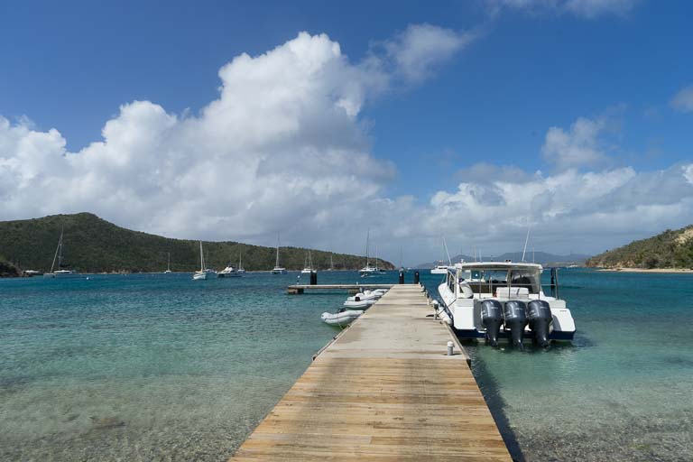 "Steg in der Bucht ""The Bight"" auf den British Virgin Islands"